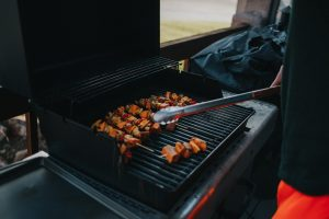 How to professionally do maintenance for your BBQ